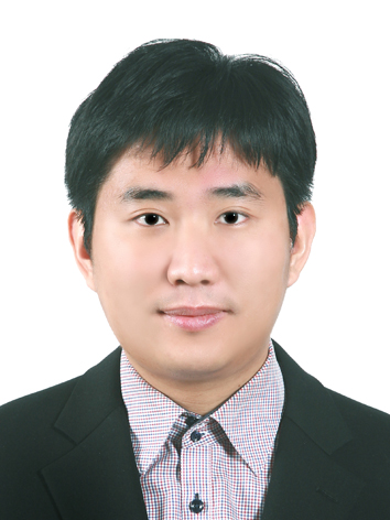 김동섭 교수님 사진